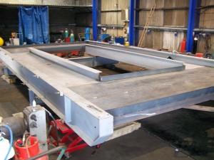 Temporary support structure for bridge refurbishment work